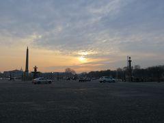 コンコルド広場の夕景  開放感のあるこの広場に来るとパリにいることを実感!
