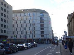 フランクフルトでの宿泊は『IntercityHotel Frankfurt Hauptbahnhof Süd』。 駅からすぐの便利な場所にあり、新しいホテルです。