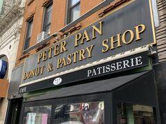 『ピーターパンドーナツ』 アメリカといえばドーナツ! ここのドーナツは安くて美味しいと評判。  試しに購入をしてみましたが、もっと買えばよかったと思うほど美味しかったなぁ。
