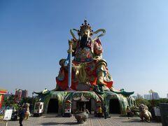 最後は、玄天上帝神像へ! 近くで見るとかなり大きく迫力がありました♪