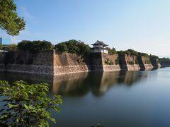 翌朝、大阪城を散策