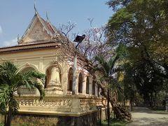 こちらは「ワット ダムナック」。普通のお寺ですがとても雰囲気がいいです。