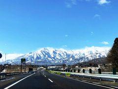 新井PAで下りてスマートインターから飯山街道へむかいます。 この日は妙高の山々が綺麗でした。