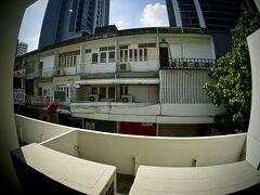 【柏屋旅館(Kashiwaya Ryokan)】   柏屋旅館二階からの眺め....まあ、残念な感じ.....