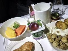 【エミレーツ航空】  毎回ですが、エミレーツ航空の料理だけが、どうしても頂けないんです。