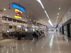 入国審査と税関を過ぎて入国。 こちらの釜山港国際旅客ターミナルで両替と手荷物の一時預けをする。  さて、これからどこへ行こうかな?