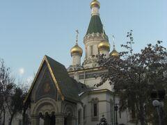 奇蹟者聖ニコライ聖堂 ロシア教会だそうです。1914年。 ロシア正教は、ゴールドと玉ねぎが目印!派手だなぁ。