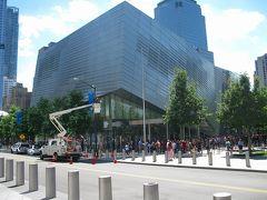 敷地内にある ナショナル セプテンバー11メモリアル & ミュージアム  です。テロ事件に関する資料が展示されているそうです。