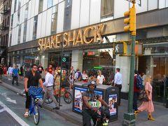せっかくニューヨークに来たので、本場の SHAKE SHACK にします。