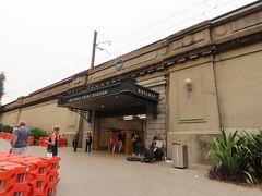 そのまま道なりに歩いていくとミルソンズ・ポイント駅に到着します。  ※ここからしばらく前日撮影の写真になります。