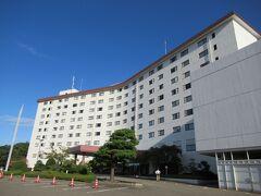 連泊の能登ロイヤルホテルに戻って来ました。  9:30 翌朝ゆっくり過ぎるくらいにホテルを発ち、