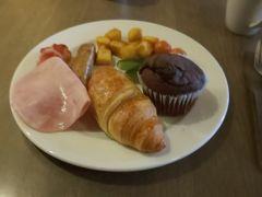 ホテルの朝ごはんです。とても美味しかったです。