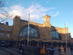 そしてキングスクロス駅に着きました。ハリーポッターの撮影に使われたところです。