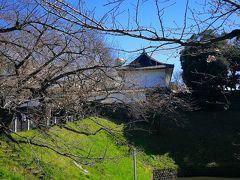 田安門から北の丸公園に行きましょう。