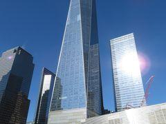 グラウンドゼロ9/11メモリアルから眺めるワンワールド・トレードセンター。