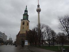 教会とテレビ塔