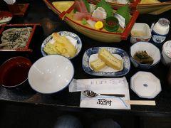 新潟ふるさと村で昼食