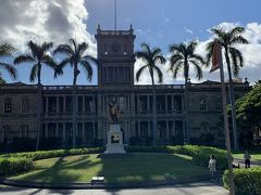 ハワイに来たら会わなきゃいけないシリーズ  1人目はカメハメハ大王