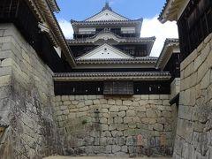 松山城:本丸広場の入り口から天守までは約3分。天守の見学は約25分でした。見学時間は人それぞれです。