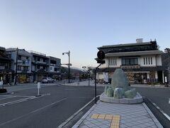 身延駅まで帰ってきました。時刻表を見ると、次に来る普通電車に乗って、富士駅で東海道線に乗り換えて、静岡駅を目指した方が速そうです。それでも2時間以上は揺られます。 ということで、覚悟を決めて、普通電車で静岡を目指すことにしました。