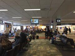 ミネアポリスで乗り継ぎです。 セントポール国際空港は意外とこじんまりしている。