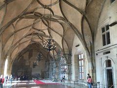 ヴラティスラフ・ホール  15世紀末に建てられたホールで当時の中欧では最大規模だったとか。 改修工事中でした。