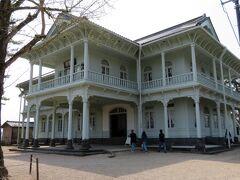 続いて紹介するのは興雲閣。 こちらは【松江市工芸品陳列所】として建てられたものだそうです。