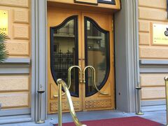 今日宿泊の ホテル アルバーニ  駅近です