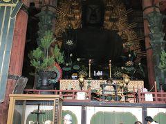さあ奈良の大仏様です。あー見たことあるなぁ… 749年完成とのこと。