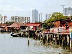クラン ジェッティー、同じ姓の一族がひとつの桟橋に生活しています。 長閑な水上生活と新しいビル。