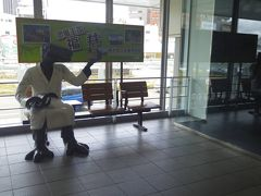 福井では一人旅でなければ、座って恐竜と撮りたかった。。