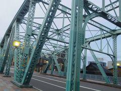 その後、金沢城公園や石垣や神社や教会等歩いて寄ったけど、偶然渡ったこの橋に心惹かれました。帰ってから調べると、この橋を今は廃止された市内線の鉄道が走っていたそうです!