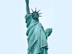 The Heaviest Statue としてギネス記録を持っている『自由の女神』の原料は、 銅 31トン 鋼鉄 125トン 27,000トンのコンクリート だそうです。  自由の女神の独特な色は、銅製の表面が雨や海風に腐食され 『緑青』となった色なんですね。  台座から たいまつ迄の高さは 46.05m 地上から たいまつ迄の高さは 92.99m