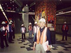 ◆また!2カ月連続のロサンゼルス 2000/04/09 - 2000/04/15  https://4travel.jp/travelogue/10010850  好きになったLAですが 帰国してすぐにまた行くとは思いませんでした。 今回は、ユニバーサルスタジオのプレスツアー。つまり取材です。 ユニバーサルスタジオシティのオープンパーティや 開通前の地下鉄の取材もできました。  仕事先で借りてきたデジカメを置き引きされるトラブルも・・・ 自分のフィルムカメラは無事でした(*_*;