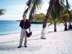 ◆初めてのリゾート地セブ!でも仕事・・・。 2000/08/06 - 2000/08/11 https://4travel.jp/travelogue/10009910  これまでの旅行記を振り返ってもリゾートって行ってません。 でも今回は初めてのリゾート地セブです! とはいっても・・・実はこれって取材の仕事です。 それでも仕事の合間を縫って縁のないリゾートも満喫してきました。