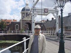 ◆トランジットトリップ@ライデン 2008/06/11 - 2008/06/11  https://4travel.jp/travelogue/10248844  ベルリンの帰りにオランダに途中下車。 いつもアムスばっかり行ってるので 今回は空港から反対方向のライデンへ。 この町はこじんまりしていて人々も親切。 トランジットの際のお散歩にお勧めです。