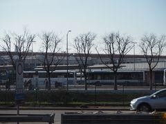 ポルタヌオーヴォ駅。ベローナの中心となる駅です。 駅の北側にベローナの街が広がっています。  駅から町の中心のアレーナまでは1キロほど、 エルベ広場までは1キロ半ほどです。