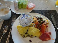 1月4日も朝の7時半にラウンジで朝食からスタートです。
