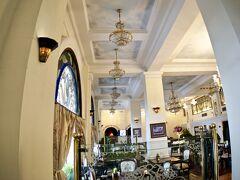 【ーMajestic Saigon Hotel マジェステック ホテル サイゴンー】  ご存知、今から遡ること約100年前の1925年にフランス人設計者によりベトナムがまだフランスの植民地時代に創業されたこのホテルです。