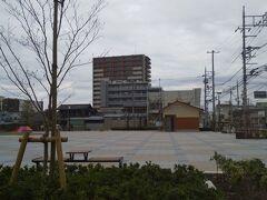 「鴻巣宿 おおとり公園」 中仙道沿いにあり、トイレあります。(実際に利用はしていません。)ベンチあり(屋根は無いので木陰になってません。)