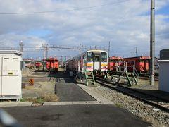 「津山まなびの鉄道館」の隣は現役の車両基地。 キハ120系・キハ47形といった津山線・姫新線・因美線で使用される気動車たちが出番を待っています。