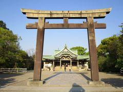 大阪城内に鎮座する、豊国神社です。