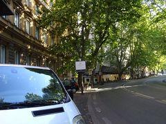 ホテルに着きました。 ヴィットリオ・ベネト通りに面したホテルです。 26年前、初めて訪れたローマで、家内と泊まったホテルが偶然この先にありました。