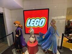アナ雪のレゴ! ここのレゴ作品はいつ見てもすごい! ホテルには21時頃戻って明日は早起きなので早めに就寝です。