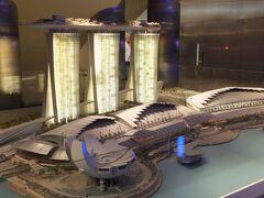 マリーナベイ・サンズ(Marina Bay Sands)  ラスベガスのカジノリゾート運営会社ラスベガス・サンズが開発して、2011年2月17日に開業した統合型リゾート(IR)です。