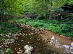 ここから金鞭渓景区を散策します。