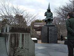築城の名手と呼ばれた加藤清正公(1562-1611)の銅像。