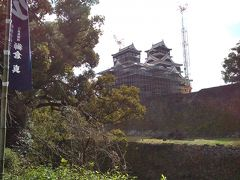 復興工事中の熊本城大天守閣、小天守閣