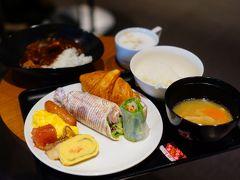 JALさくらラウンジの朝ごはんです