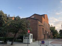 聖ソフィア聖堂。地味な建物ですが、地下には遺跡があるそうです